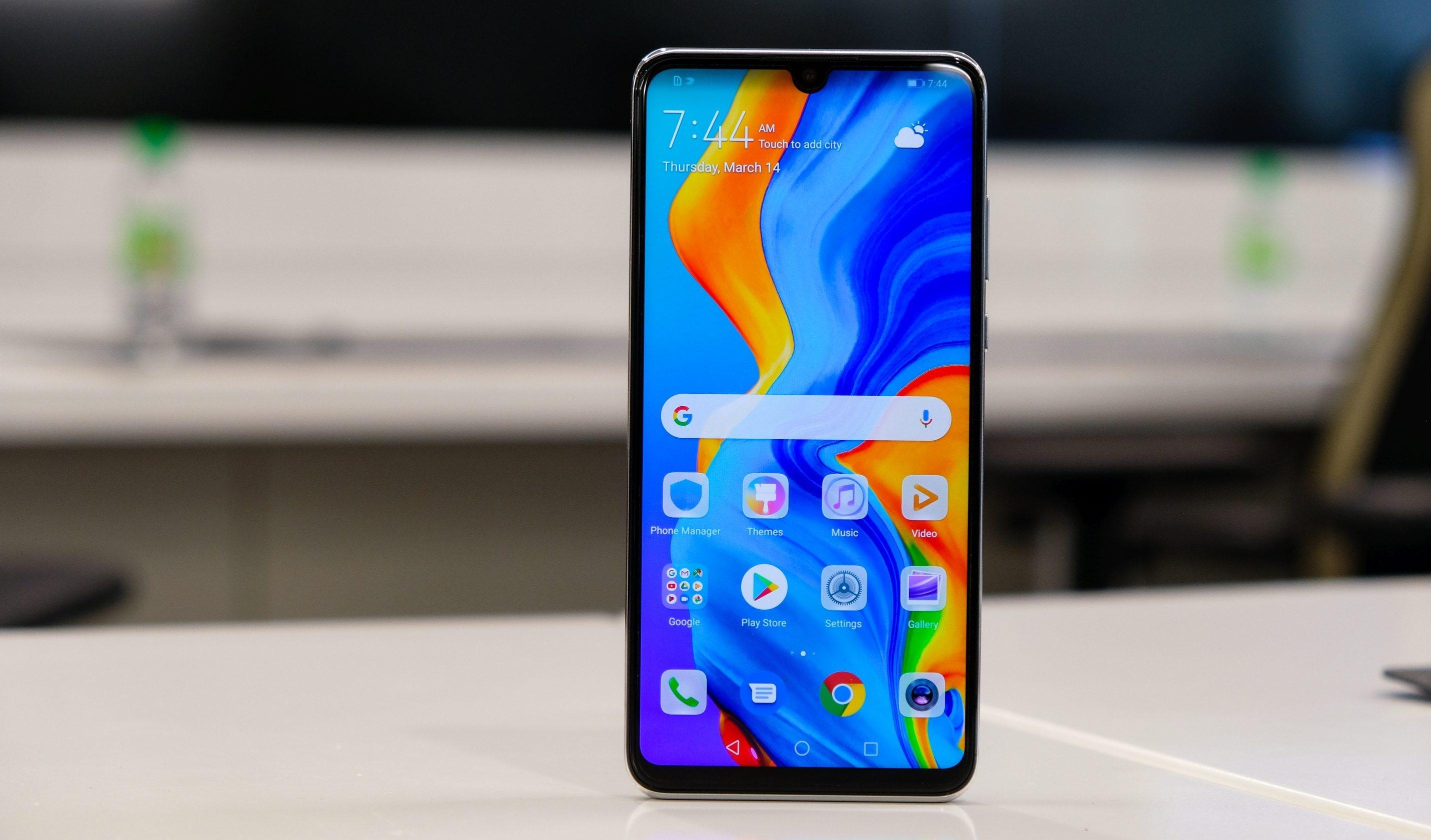 Huawei Nova 4e launched with Triple Rear cameras and 32MP selfie camera.