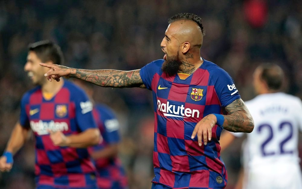 Chilean International Arturo Vidal says 'I can't be friends with Claudio Bravo'