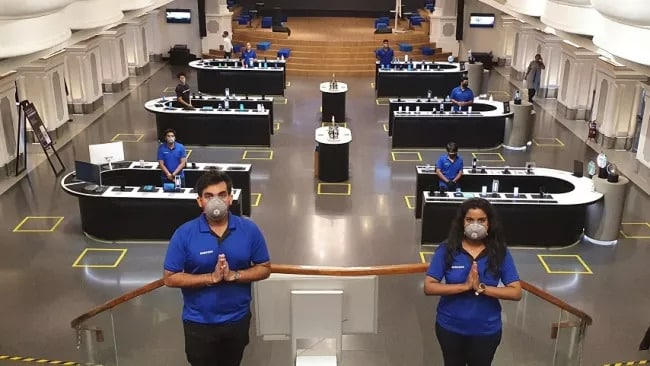 Xiaomi and Samsung retail stores receive Suraksha certification in India