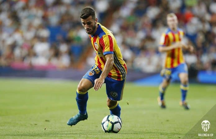 Junior Firpo to be offloaded to Italy, Barça want funds to bring Jose Gaya