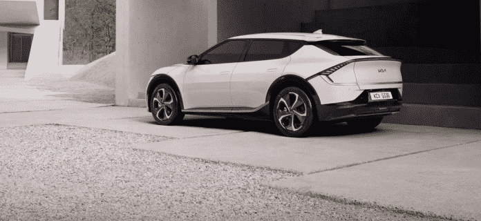 Kia finally reveals real images of its EV6